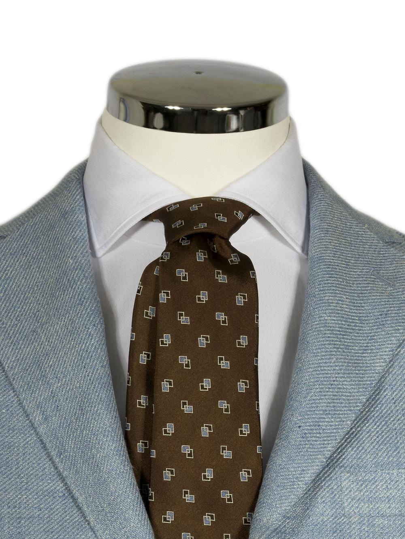 バルバのネクタイはくったりとリラックス