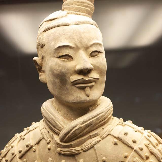 ネクタイの起源は中国の兵馬俑の兵士にもある