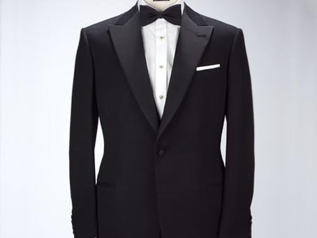 なぜタキシードに合わせる蝶ネクタイの色は黒色なのか?