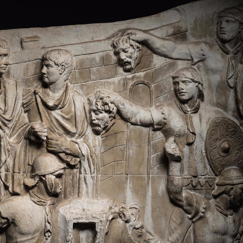 ローマのトラヤヌス記念柱