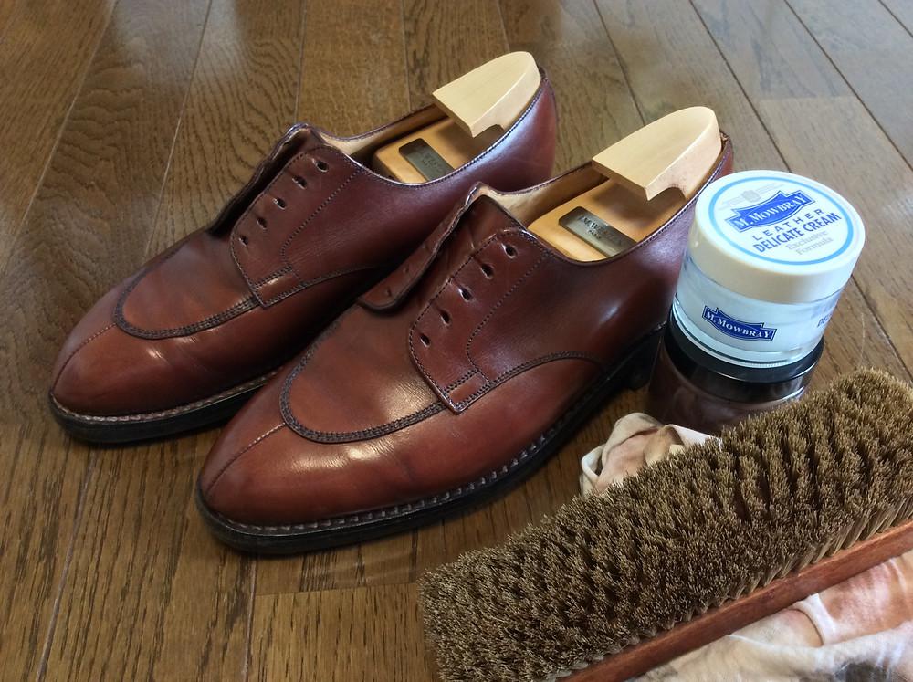 ボウタイ専門店が靴磨きを教える