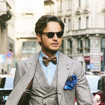蝶ネクタイとカッタウェイシャツ