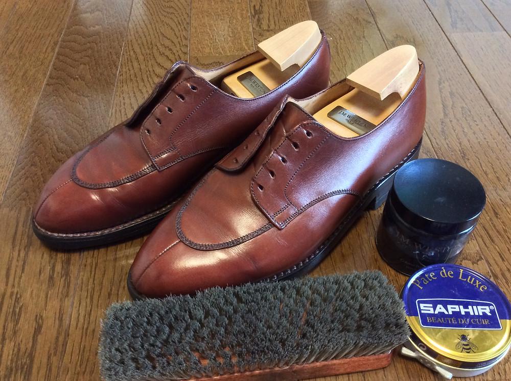 靴磨きが得意なボウタイ仕立屋ダイヤモンドヘイク