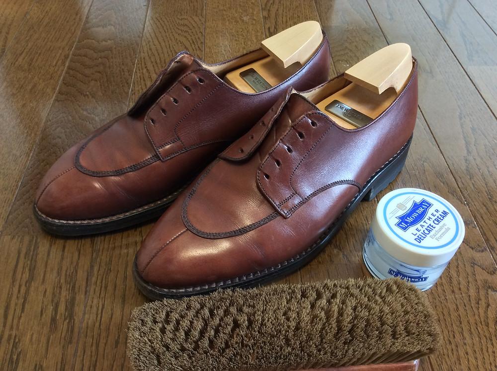 靴磨きならぬ靴メンテ方法