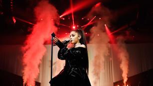 Ariana-Grande-Suspends-Concert-Tour.jpg