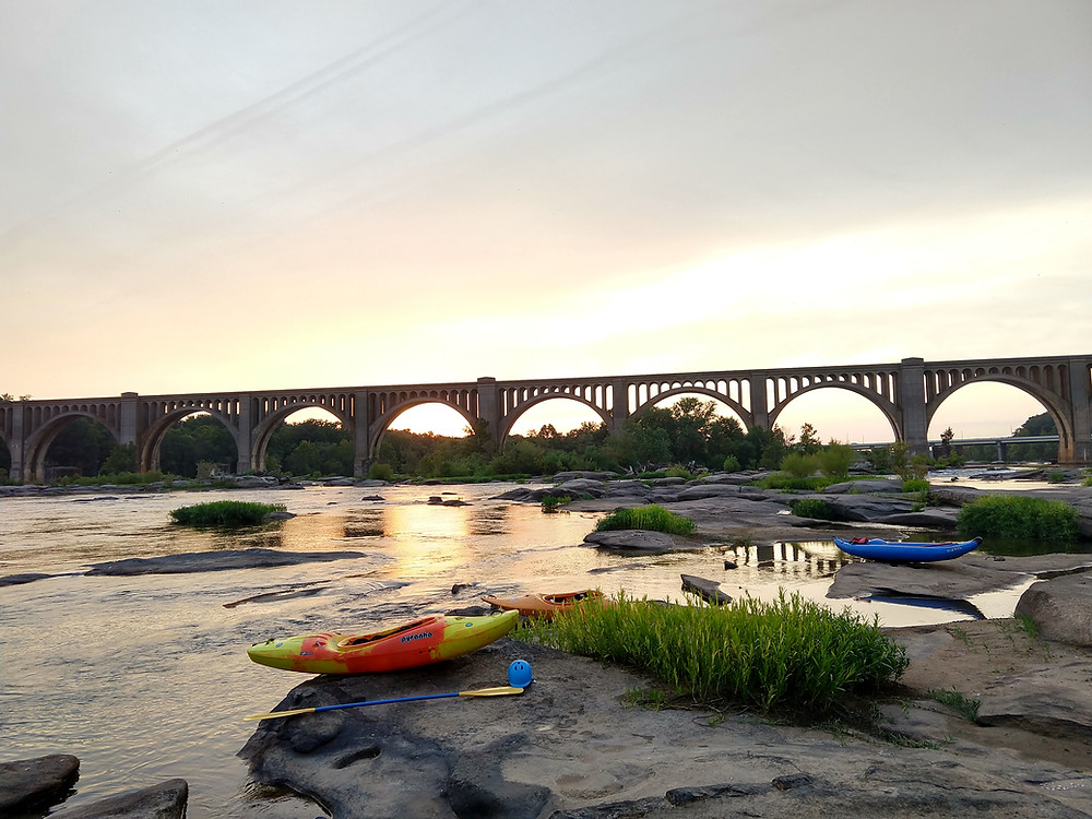kayaking and learning to trust myself on the James River in Richmond, Virginia