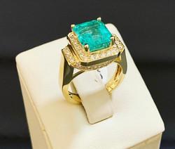 SFJ Diamond and Emerald Design