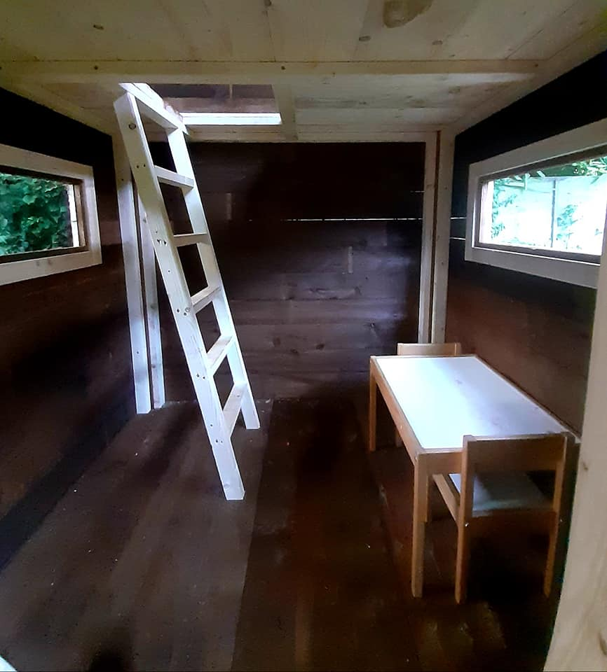 Two floor playhouse, inside