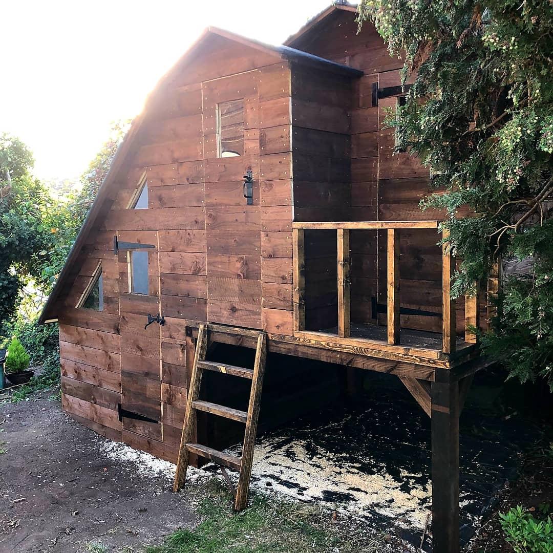 Split-level playhouse