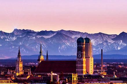 München_bei_Sonnenaufgang.jpg