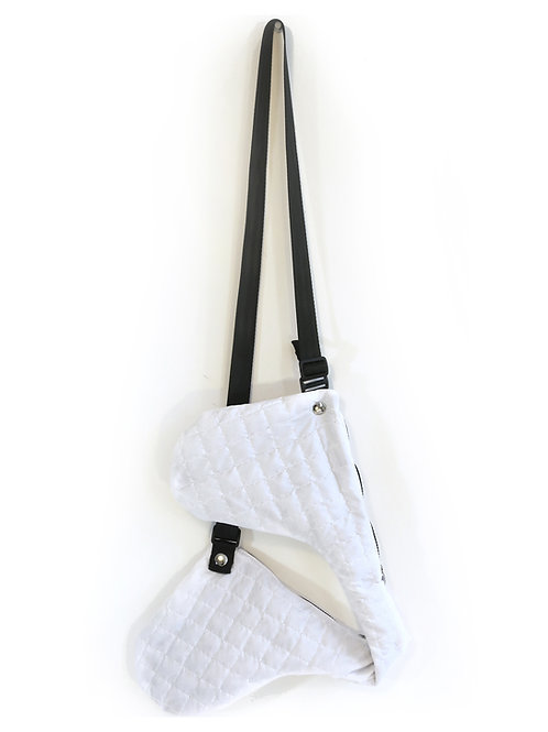 WHITE QUILTED DOUBLE JET CARRIER