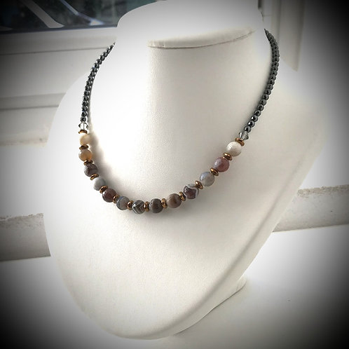 Collier en agate du Bostwana