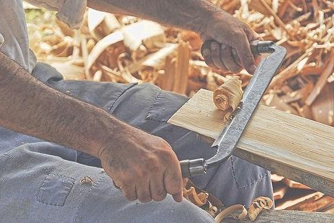 wood-working-2385634_640_edited.jpg