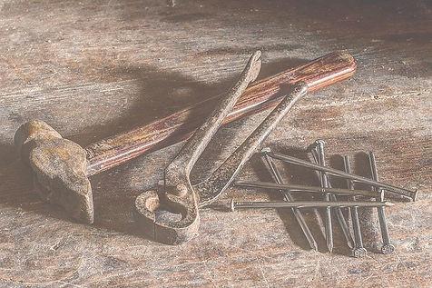 tool-1314070_640_edited.jpg