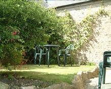 Vine Cottage 02.png