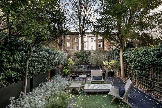 modern-house-st-michaels-road-london-black-apartment-garden.jpeg