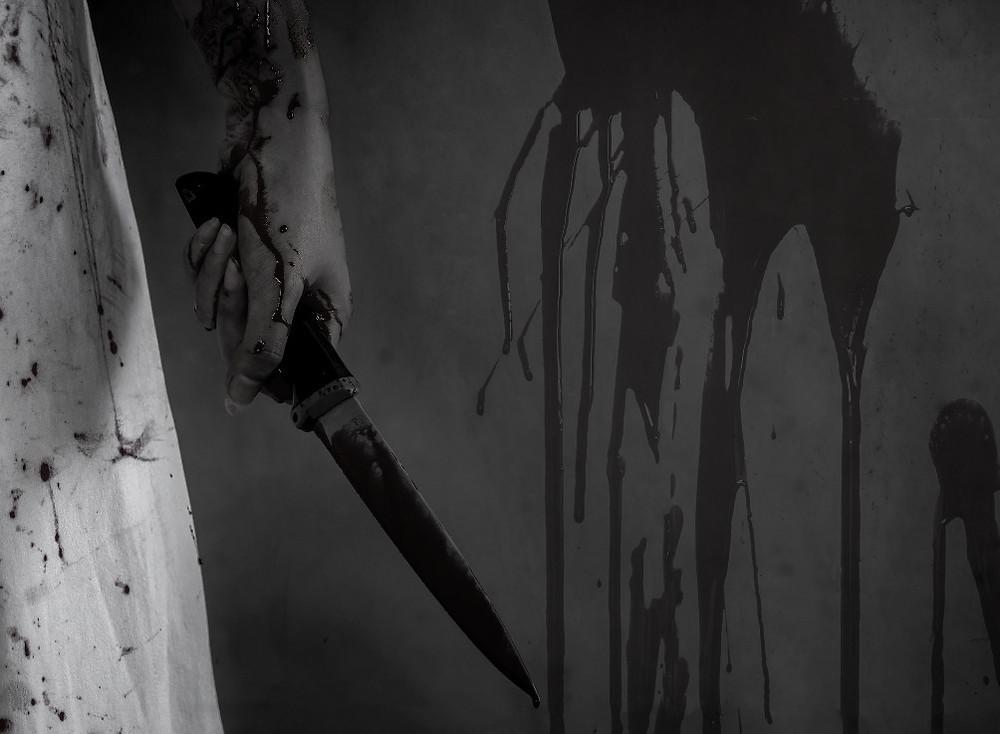 Blood and knife, radio horror frightnight