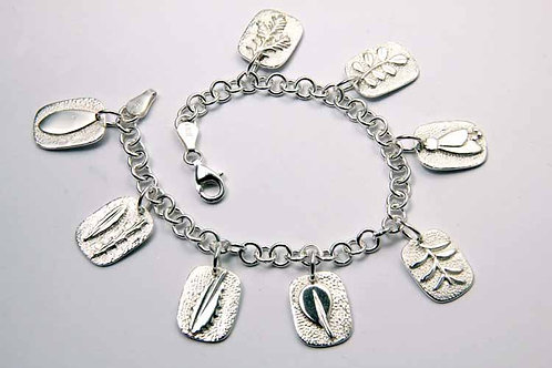 Native charm bracelet with 8 charms