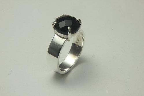 Black Onyx 4 claw ring
