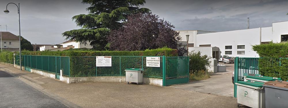 (locaux de la ville situés 355 Route d'Andrésy et occupés par la société RENOUX BOURCIER)