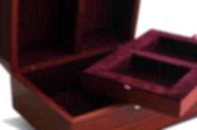 Эксклюзивная шкатулка для хранения из красного дерева