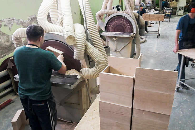 Производство деревянных шкатулок и лотков для чая на заказ