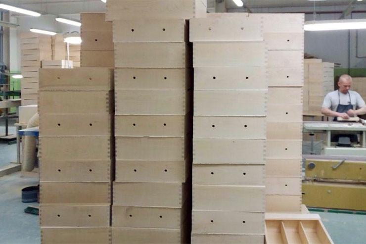 Производство деревянных коробок для вина на заказ