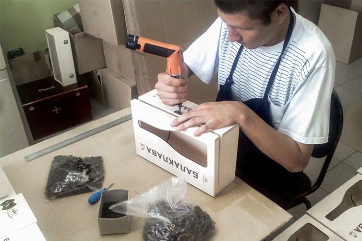 Упаковка из дерева для алкоголя на заказ
