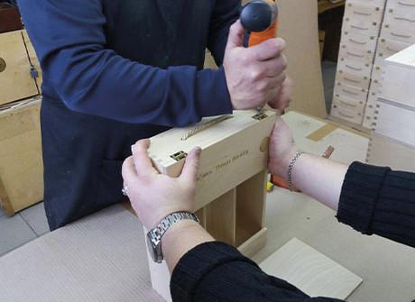 Винные сеты Private Banking от Газпромбанк по заказу винного дома Burnier. Кейс.