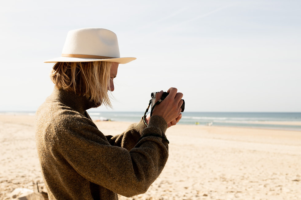 Milo_Hats_Lifestyle_At_Seaside-10.jpg