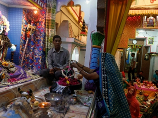Mob attacks and sets fire to Hindu temple in Pakistan