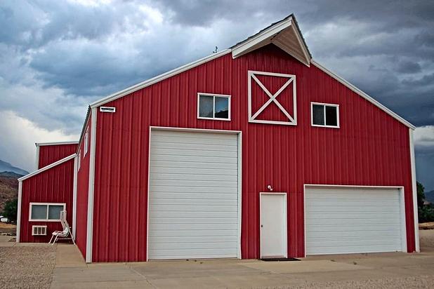 steel-barn-building.png