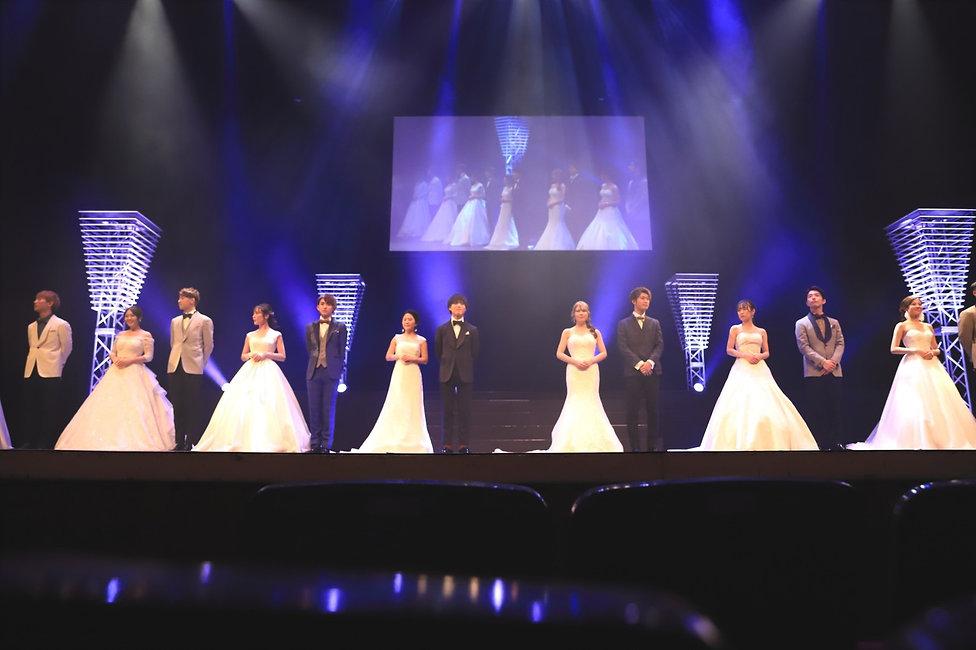 2020ミス・ミスター舞台写真_白ドレス.jpg