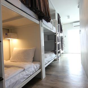 6 Beds Dorm