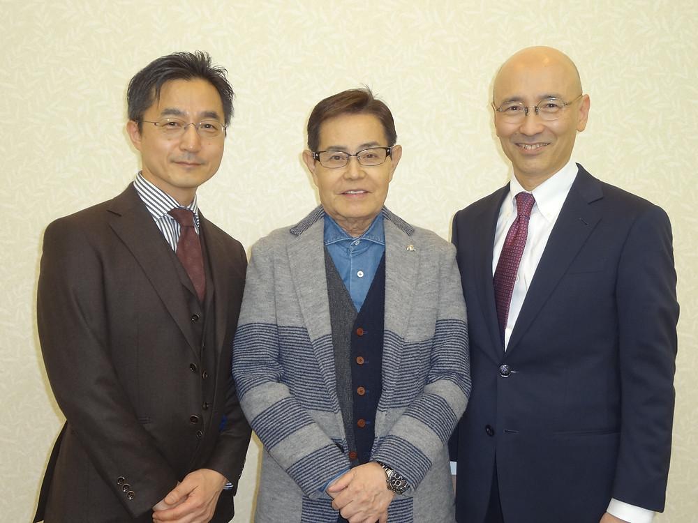 健康セミナーでは股関節の病気と治療について講演しましたが、加藤茶さんを一目見るため来場された方々が多く、加藤さんが「いい湯だな」を歌った時は大盛り上がりでした。