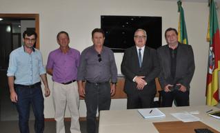 Presidente da Câmara de Vereadores e Prefeito participam de audiências em Porto Alegre