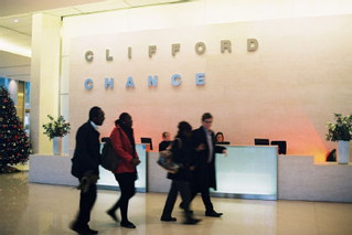 Clifford Chance 律師行收入