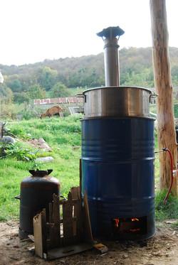 pasterisateur de jus à feu de bois
