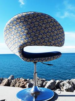 Fauteuil contemporain ronds bleus