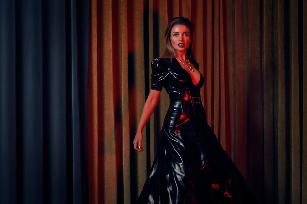 1883 Dannii Minogue-3.jpg
