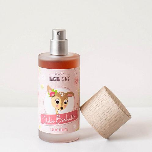 Flacon ouvert du parfum enfant fille Jolie Bichette. Etiquette rose avec un dessin de petite biche. Pompe argent mat.