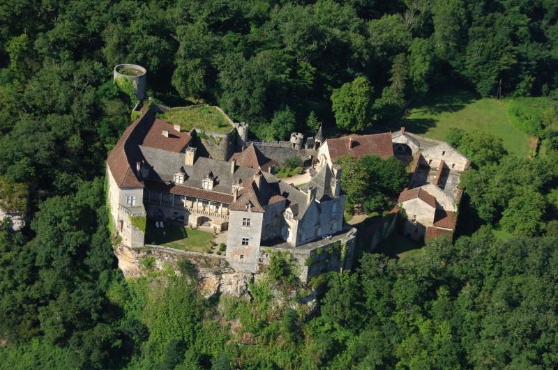 Le château de Cénevières