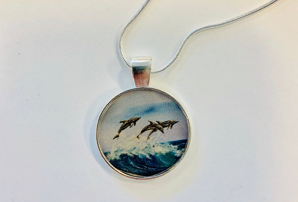 Going Surfing Necklace: Jim Russell Collection