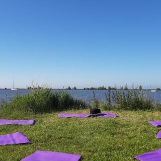Yoga bij Oranje Buiten