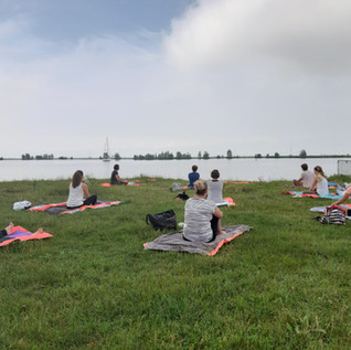 Yoga aan het Markermeer
