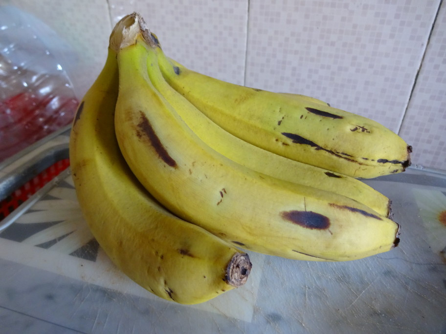 Raw yellow Banana