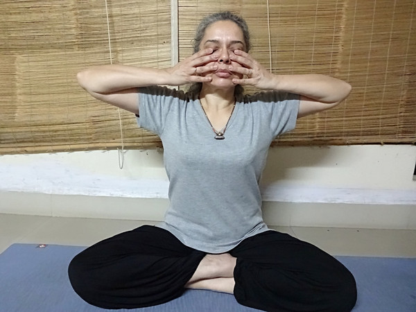 Shamnukhi Mudra technique, details about Shanmukhi Mudra