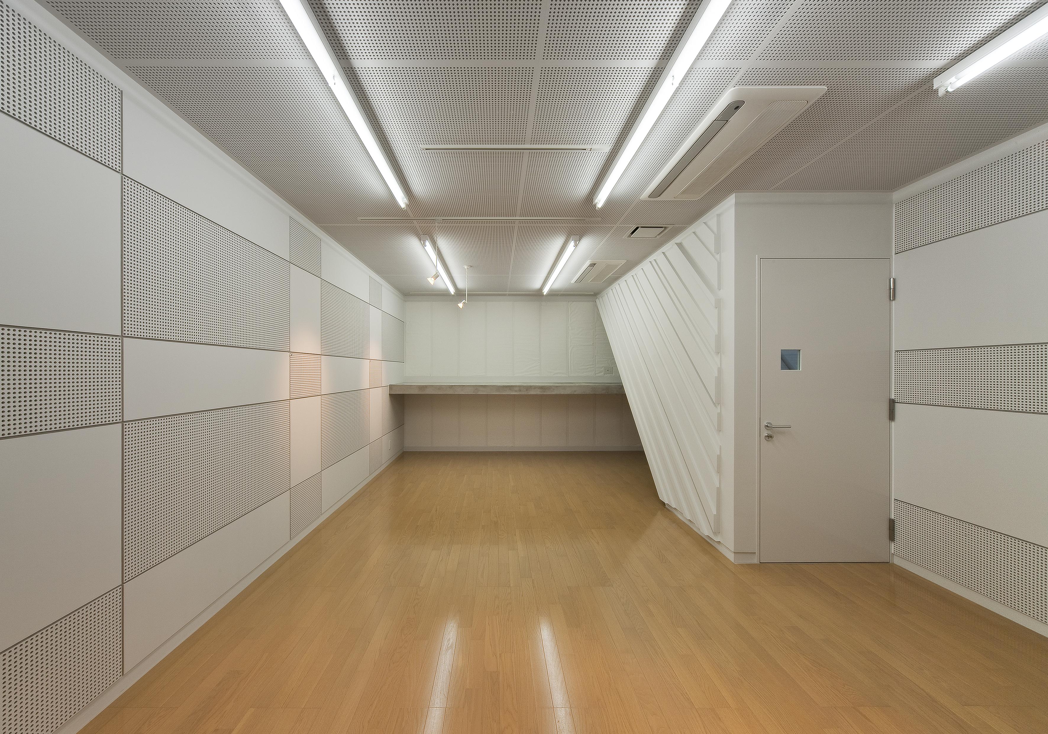 06 地階 音楽室-1