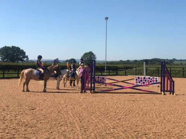 Middleton Pony Club enjoying the sunshine