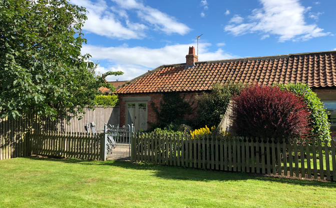 Chestnut Cottage back garden